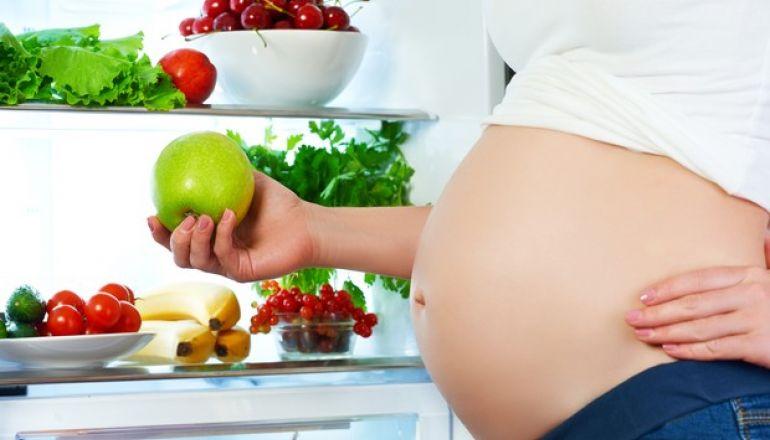 Cuidados com a alimentação antes e durante a gestação  Muito antes de engravidar, cuidar da saúde dos pais é fundamental e deve ser prioridade.